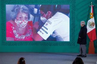 Avanza Plan Nacional de Vacunación contra COVID-19 y no se detendrá, afirma: AMLO