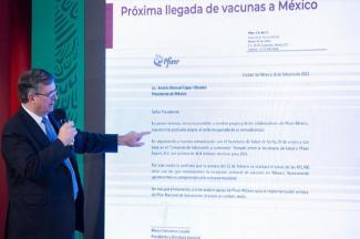 México reanudará la recepción semanal de vacunas de Pfizer
