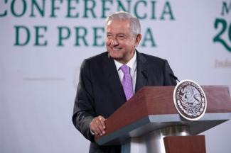 México mantiene economía estable con recuperación de empleos e inversión: AMLO