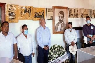 AMLO recuerda a Emiliano Zapata en su 102 aniversario luctuoso