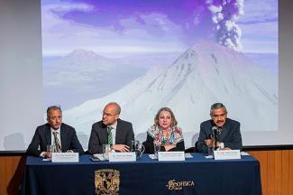 Revisan impacto del Popocatépetl a 25 años de actividad eruptiva