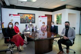 IEU otorgará becas a trabajadores de la SMT