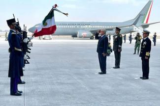 AMLO inaugura Base Aérea en Santa Lucía